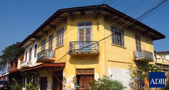 Thakhet Old Town